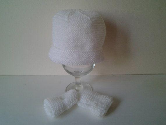 Hand crochet baby girl boy  hat and mittens newborn by crochetfifi