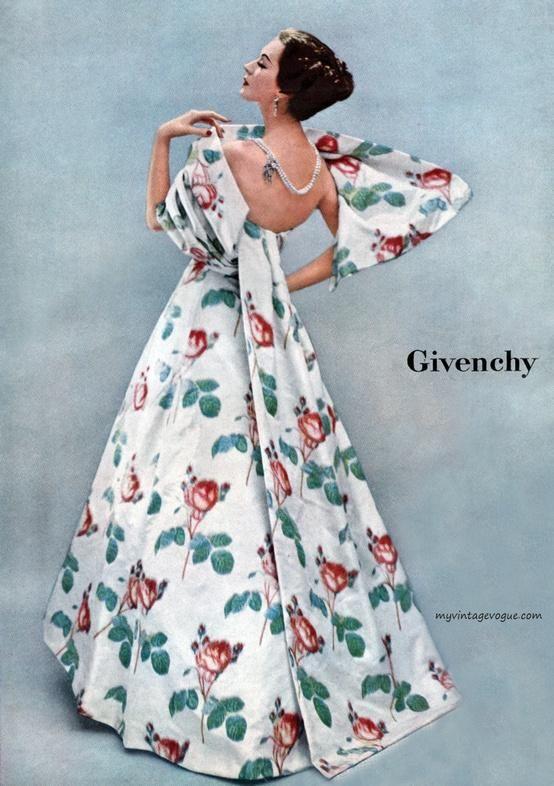 Ladies Home Journal 1956,  Dovima wearing Givenchy - Photo by Richard Avedon . 1950's fashion