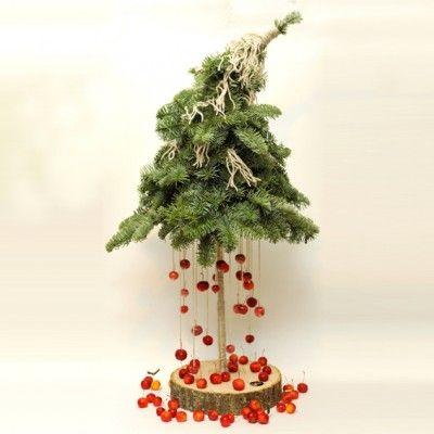 YaU Concept _ YaU flowers _ secret santa 2014 _ christmas tree #christmas #christmasdecor #holiday #candle #christmascandle #yauconcept #yau #christmasdecoration #wood #christmastree