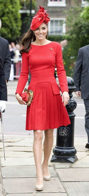 Dress like a princess!!! http://lcky.mg/Ls6u1N: Alexander Mcqueen, Duchess Of Cambridge, The Duchess, Style, Katemiddleton, The Queen, Dresses, Kate Middleton, Diamonds Jubilee