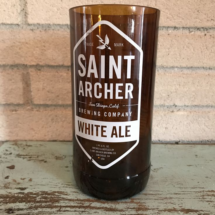 Bottle of the Week #10 Bottle: Saint Archer White Ale Size: 1 Pint 6oz Polishing Time: 3 minutes 45 seconds Comment: Nice simple painted label on this popular Ale.
