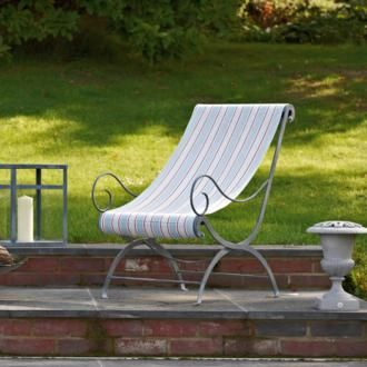 We love this Foxearth #Garden Chair made by Jim Lawrence, using our delightful St Ives Stripe #Cotton. It's perfect for relaxed #summer living in the English countryside.