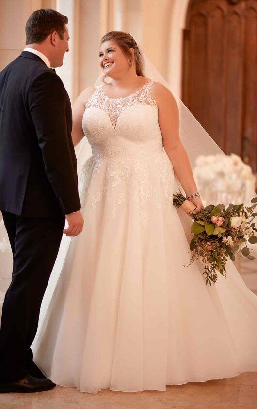 54b2af2406c 6675+ Affordable Classic Plus-Size Wedding Dress by Stella York