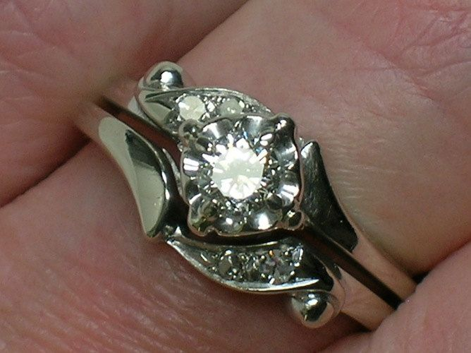 Vintage Wedding Rings Set: 1960s Classic White Gold Beauty. $650.00, via Etsy.