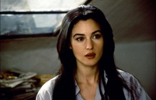 Monica Bellucci in L'Apartement / 1996