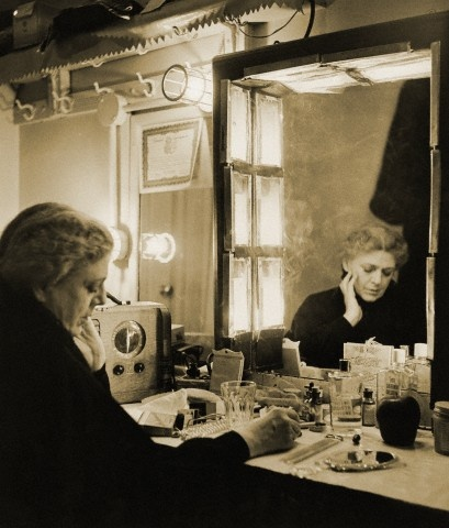 Love this beautiful picture of Ethel Barrymore.