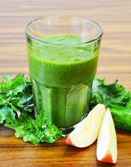 GRÜNKOHL-SPINAT-SMOOTHIE MIT APFEL UND ORANGE - Zutaten für 1 Person:  50g junger Blattgrünkohl, 50g Spinat, 1 Apfel, 1 Orange, 50ml Apfelsaft. Hier geht's zur Zubereitung: http://behr-ag.com/de/unsere-rezepte/rezeptdetail/recipe/gemuese-smoothie-mit-1.html