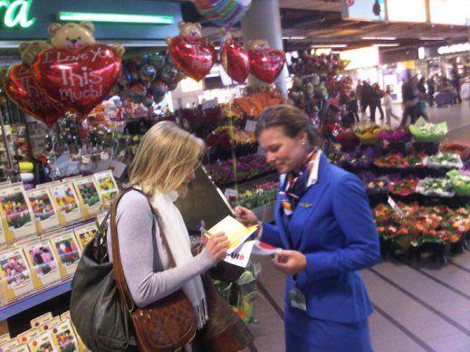 VAN LIKES NAAR INCENTIVES:  Zoals gezegd, consumenten zijn de marketeers van morgen. Oftewel, consumenten vermarkten producten en diensten a...