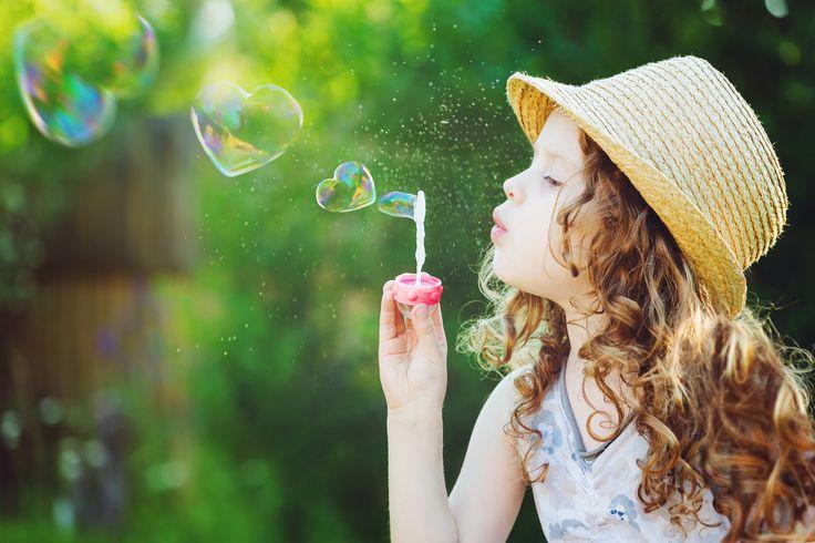 пузырь, bubble, ребенок, прекрасный, маленькая девочка, дети, детство, child, сердца, красивый, little girl, счастливый, childhood, children, spring, природа, блондинка, hearts, happy, милая, lovely, blonde, cute, playing, играя, настроения