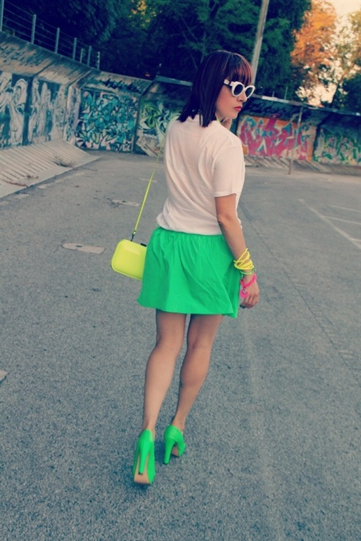 Outfit neon