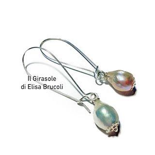 Orecchini pendenti con perla a goccia in vera madreperla bianca