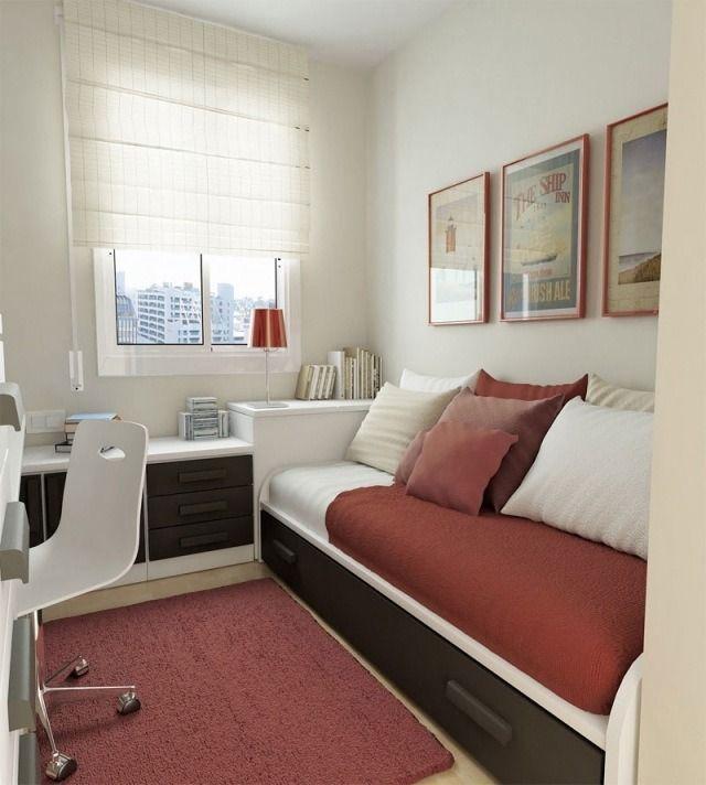petite chambre ado avec un lit pratique et chaise à roulettes