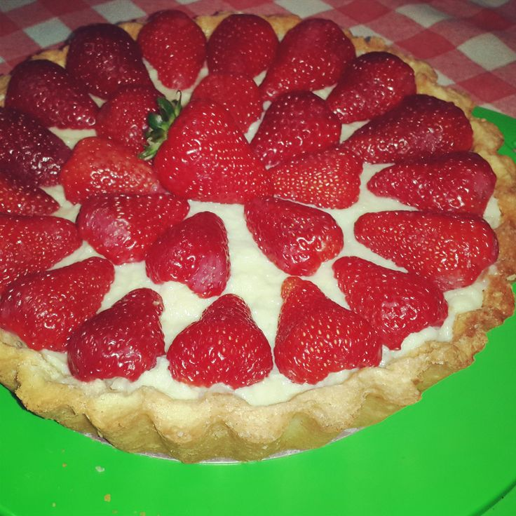 Strawberries and custard cream tart