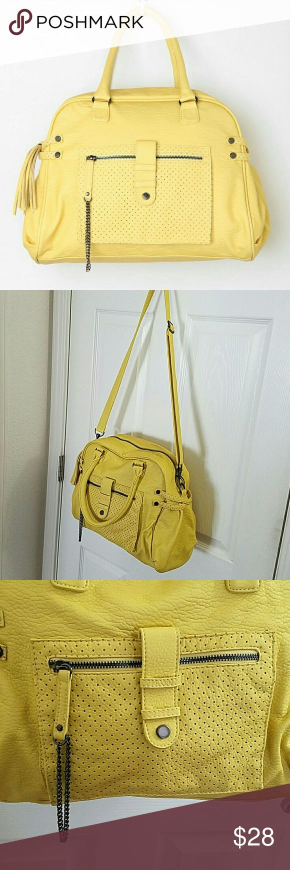 Deena & Ozzy yellow purse/bag Deena & Ozzy yellow bag/purse. Lots of metal embellishments and texture fir a rock style appeal. Adjustable and detachable shoulder strap. Great condition. Clean Deena & Ozzy Bags