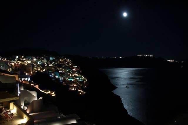 Santorini by night via #luxuryexperiences