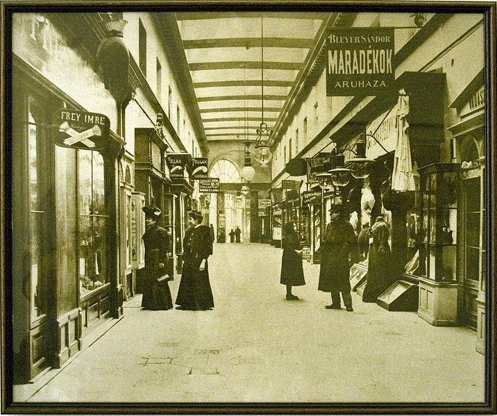 Budapest anno: több, mint nosztalgia...: A Brudern-ház (régi Párizsi-udvar)