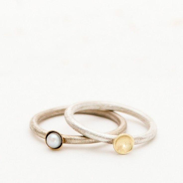 zilveren ring met goud en parel van noldavrielink   Markita.nl