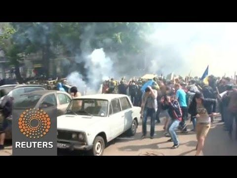 May 2, 2014 Pro-Russian rebels shot down two Ukrainian helicopters trying to retake separatist-held Slaviansk, while police say a building fire in Odessa kills 38 people, clashes kill three and injure 15. Jillian Kitchener reports.