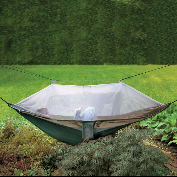 The hammock has a fine mesh canopy that provides complete coverage from bugs and other outdoor pests. The netting allows breezes to pass through and is tented with a 4' clearance to allow loungers to adjust their positioning or raise their head without inhibiting movement.