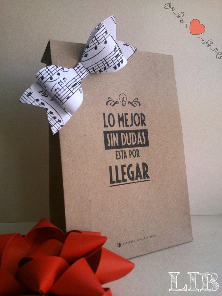 ¿Tienes que preparar un Evento? ¿Un Cumpleaños? ¿Un Agasajo? ¿Una recepción para alguien muy Especial ó simplemente presentar un producto tuyo? ¡Aquí te presentamos lo más de lo más super mega más! ¡Bolsas en papel Kraft! ¡Seguinos en Facebook!