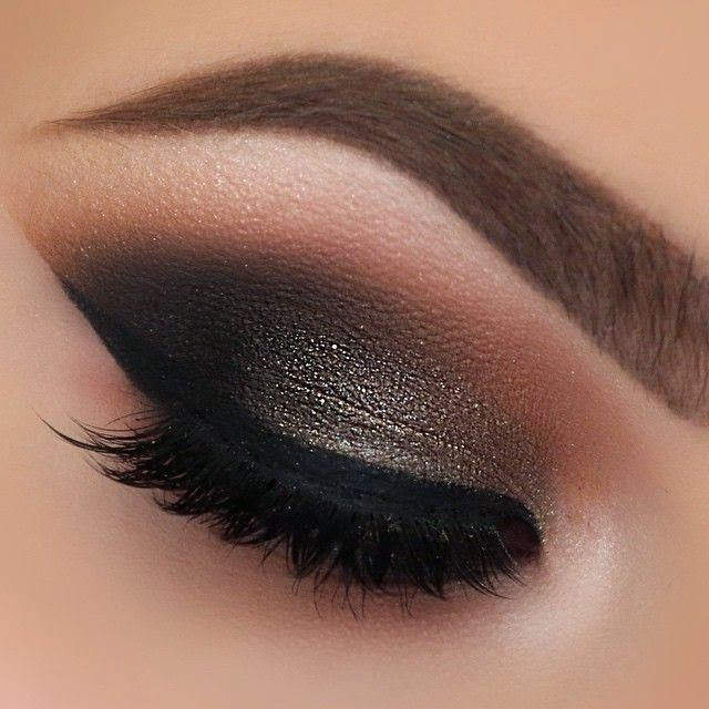 The cut crease - my make-up Achilles heel. Can't do it to save my life but I love the look. ♡Mwah Xoxo, Sazza♡