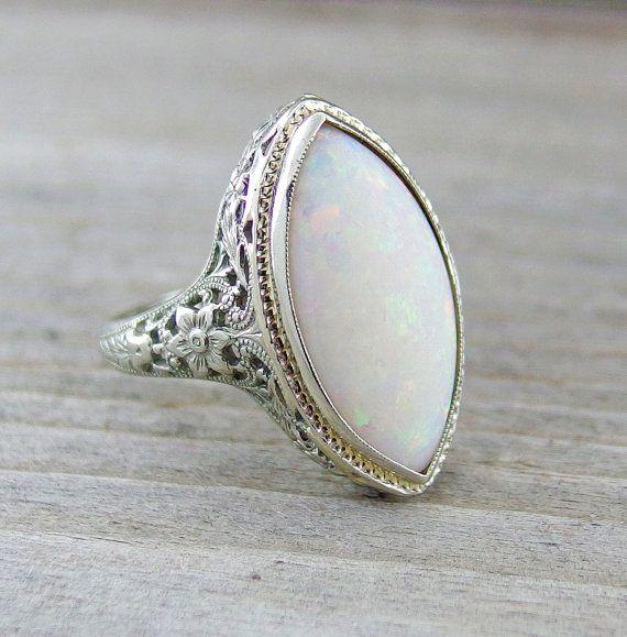 Vintage 3 Carat Opal Engagement Anniversary Filigree Ring 18kt White Gold on