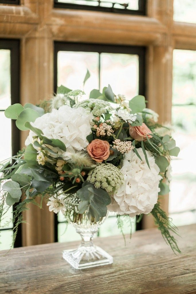 Cotswolds wedding flowers at Foxhill Manor