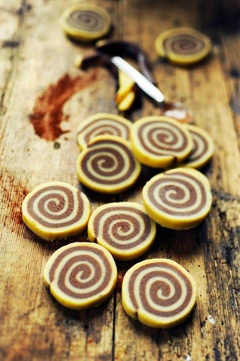 Quand il pleut, chasse aux escargots ! Enfin aux cookies escargots vanille et chocolat !