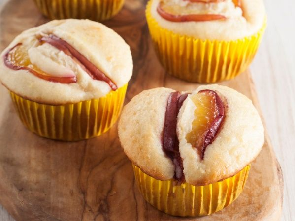 Sugar-free nectarine muffins • These diabetic-friendly treats contain nectarines for flavour and sweetness – and they'll be equally enjoyed by non-diabetics.