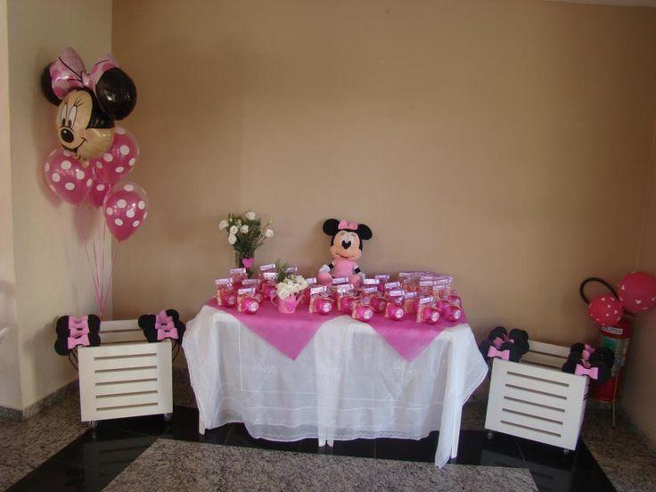 Bouquet composto por balões duplos: Polka de 11 polegadas Qualatex + Rosa Pink (Sempertex)+ Balão cabeça de Minnie Super Shape  Créditos: Balões: Balão Cultura Decoração: Fabiana Cavallini  www.boxbalao.com