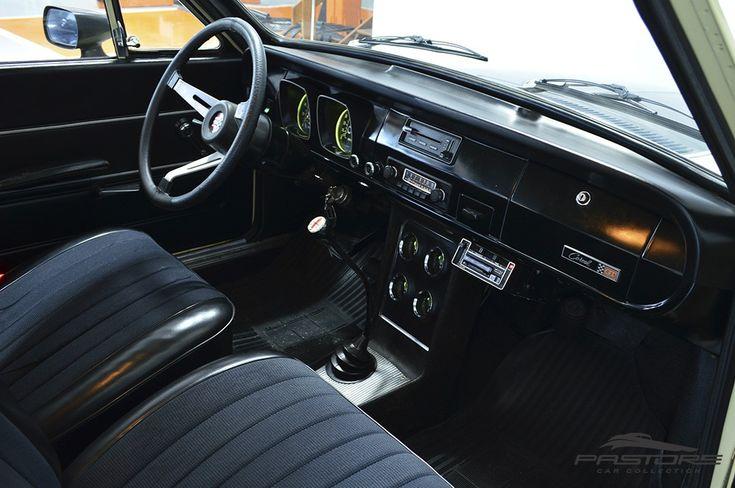 Ford Corcel GT 1977 . Pastore Car Collection              Ford Corcel GT 1977/1977 na cor Areia Casablanca. Veículo nunca restaurado! Motor dianteiro, longitudinal, 4 cilindros em linha, 2 válvulas por cilindro, gasolina, 1.372cm³, 1,4 litro (1372cm³) com potência bruta de 85 cv a 5400rpm 11,5 kgf.m a 3600 rpm.
