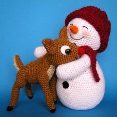 Crochet Snowman & Fawn PDF Pattern. Awww look how happy they are