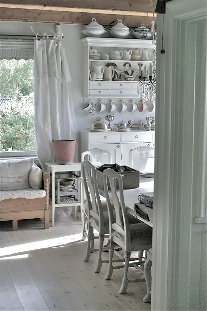 Gorgeous! Love Your Homes
