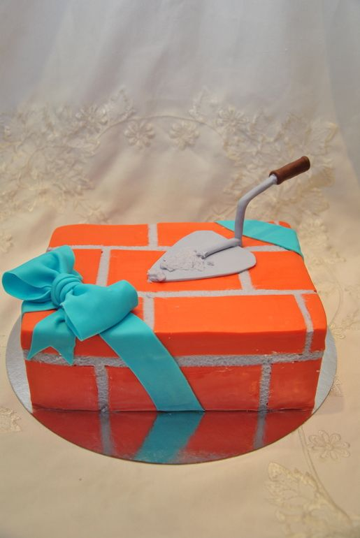 торт-кирпич с мастерком