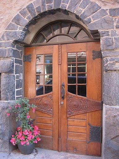 Art Nouveau style door in Helsinki.