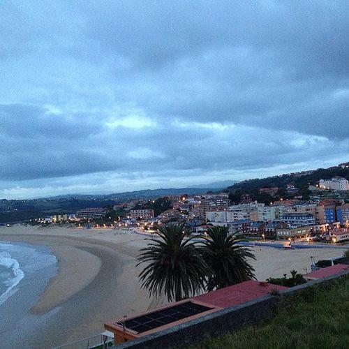 Suances amaneciendo esta mañana. Playa de la Concha. Suances. Cantabria. Spain. © Laura Junquera