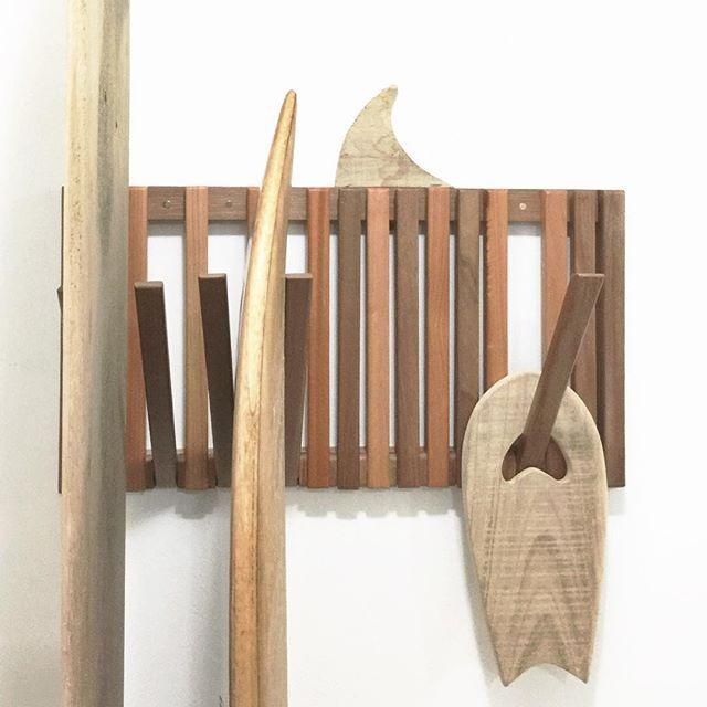 Rackit | ZZHood | Wood Surfboard | Alaia | Handmade | #rackboard #boardrack #woodrack #rack #surf #surfe #surfboard #board #handmade #quilha #paddle #design #w