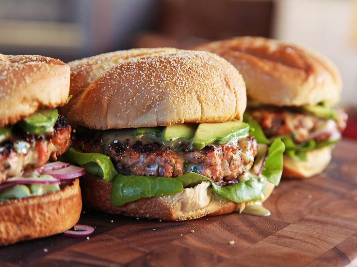A juicy, flavor-packed salmon burger stuffed with dill, onions, and horseradish, served with a sweet and creamy honey-dijon mayonnaise and avocado slices on toasted buns. It's cooked with just one skillet, and finished in about 15 minutes.