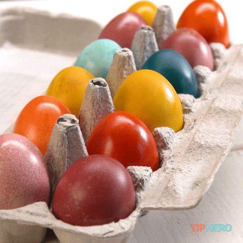 Dacă vrei ca pe masa de Paşte să ai ouă vopsite natural, îţi propunem câteva metode eficiente şi complet lipsite de riscuri pentru sănătatea ta!