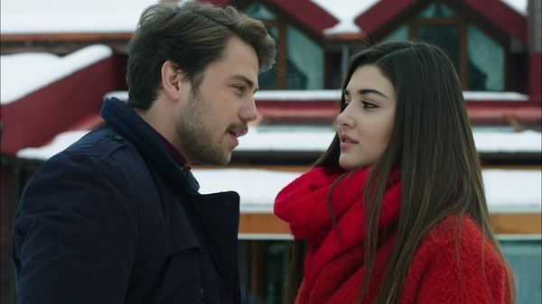 Pin By Paramparca On عشق ودموع حطام Paramparca Beautiful Girl Face Cute Love Cartoons Cute Couples