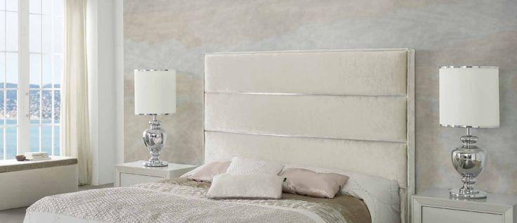 Sengegavl modell CLAUDIA bordlampe modell LUMI.  Se vårt store utvalg av sengegavler, møbler og interiør til ditt hjem i nettbutikken vår www.mirame.no #claudia #sengegavl #lumi #soverom #drømsøtt #norskehjem #seng #sove #interior #interiør #mirame #design #hus #hjem #seng #godhelg #inspirasjon #headboard #bedroom #interiorinspiration #sleep #lamp #lampe #bordlampe