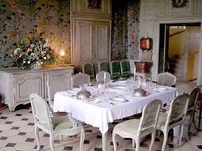 1000 images about mad addict tea party dining rooms for Papier peint salle a manger