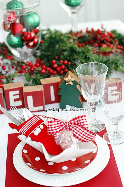 Christmas Party Table Setting