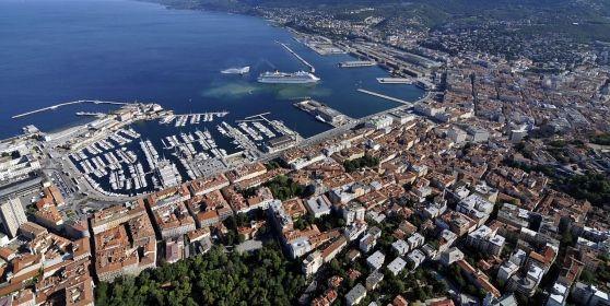 Una veduta aerea di Trieste