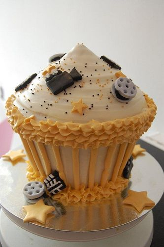 """Cupcakes Take The Cake: His and hers heart cupcakes, eat me and thank you and """"cupcake"""" cupcakes, plus beautiful yellow rose and movie-themed cupcake cake and more"""