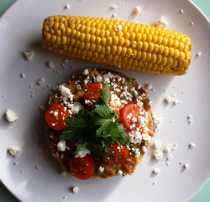 Maïs en aardappelpuree met zongedroogde tomaatjes