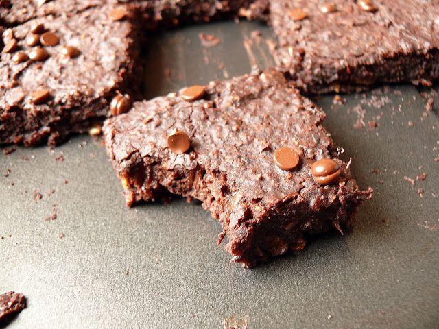 Vöröskaktusz diétázik: Fekete babos brownie