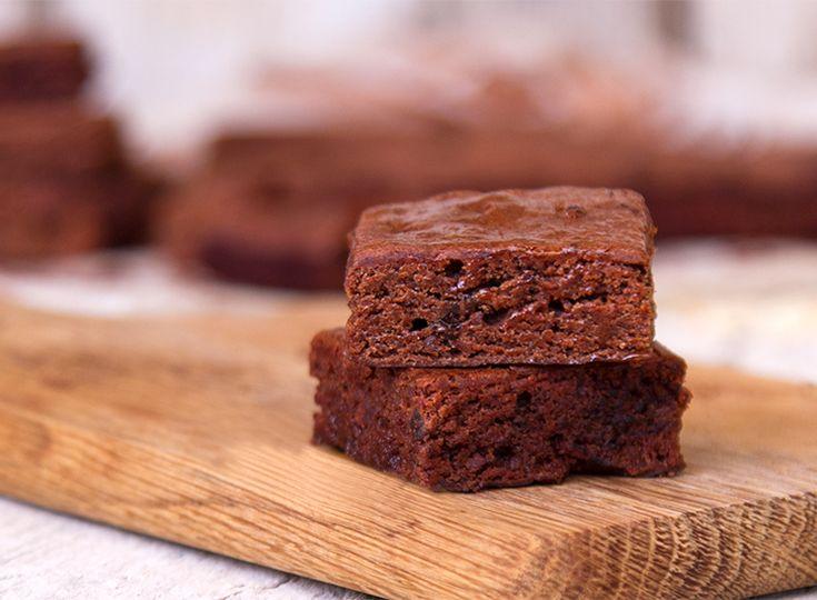 Νηστίσιμο Μπράουνι (Brownies) από τον Άκη Πετρετζίκη