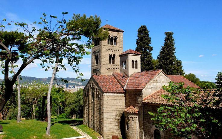 RA: El Monasterio of El Poble Espanyol - Barcelona nightclub