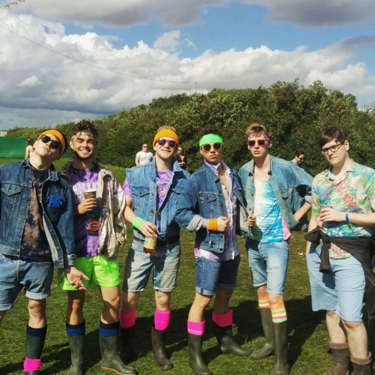 "Sheffield based British Diver Freddie Bevis Woodward (1995) with friends   - ""Leeds Fest with the Laddos"". August 2015 #doubledenim #retro ------------- (@freddiebevis) • Instagram photos and videos"